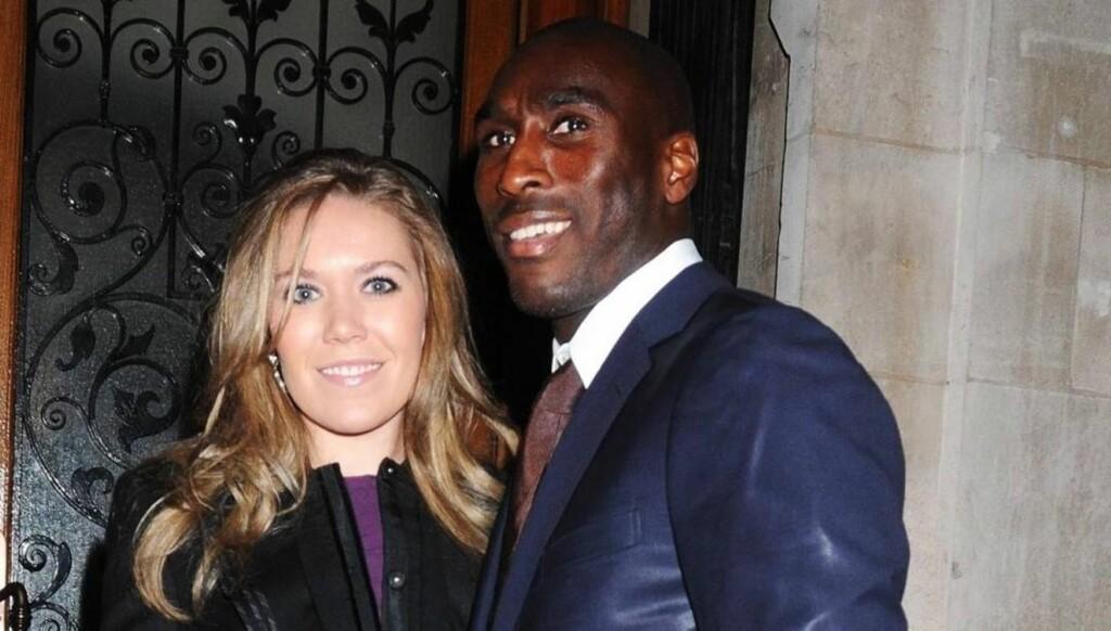 BLIR FORELDRE: Fotballstjernen Sol Campbell og hans kone Fiona Barratt avslørte tirsdag til avisen Daily Mail at de venter barn om allerede i morgen. Foto: Stella Pictures
