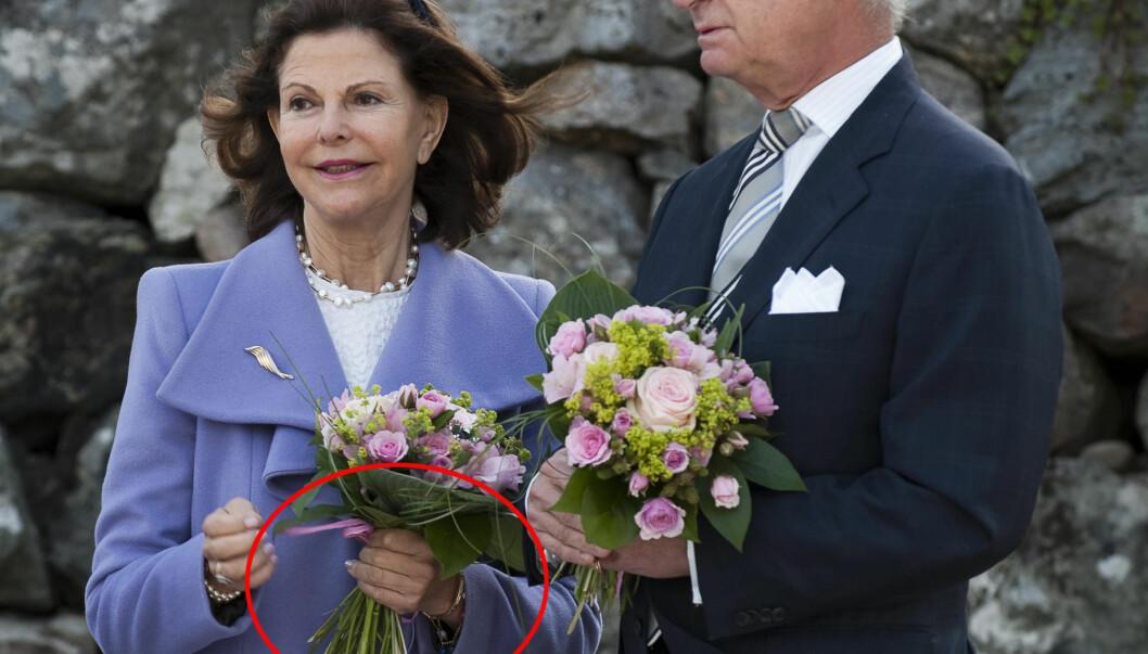 KOM UTEN RING: Dronning Silvia kom uten gifteringen da kongeparet viste seg i svenske Nykvarn. Da ryktene begynte å gå, tok hun på seg en helt vanlig ring og lot som ingenting. Foto: SCANPIX SWEDEN