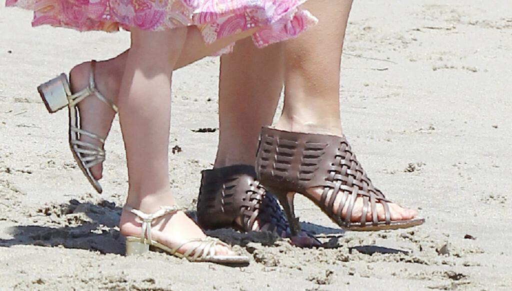 MOTERIKTIG: Katie Holmes og datteren Suri Cruise er kjent for å være moteriktige. Foto: Broadimage