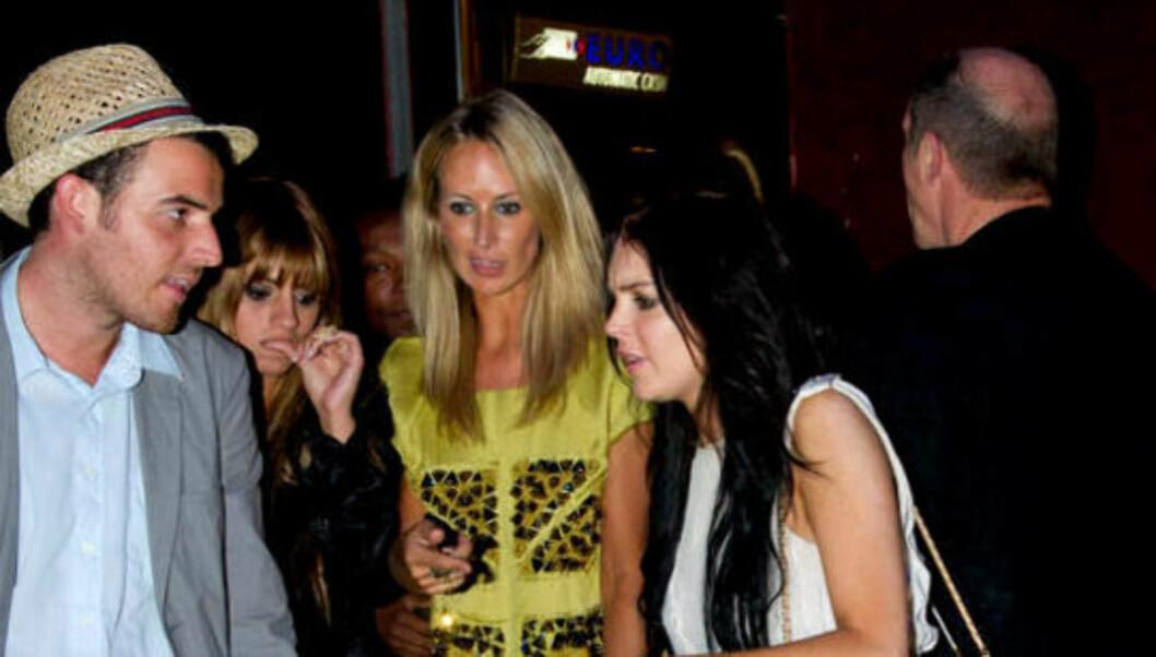 FESTER I CANNES: Etter byturen i Los Angeles, skal Lindsay Lohan ha fortsatt til Cannes, hvor hun i går festet med venner på nattklubben VIP Room. Foto: Stella Pictures