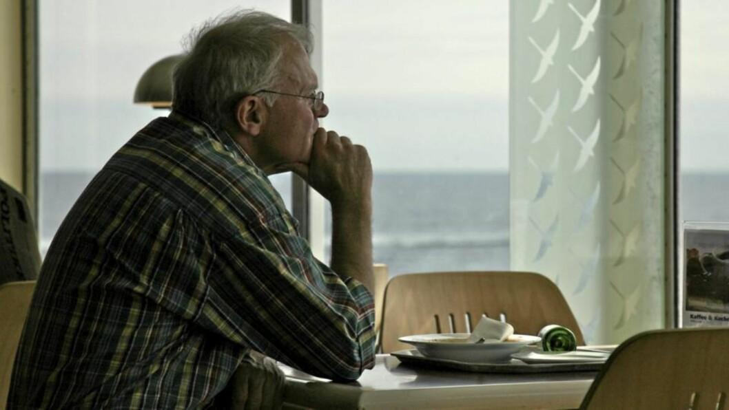 AVHOLD: Gruppen med totalavholdspersoner over 55 år har størst risiko for død, fulgt av de med tungt alkoholkonsum.  Illustrasjonsfoto: www.colourbox.com