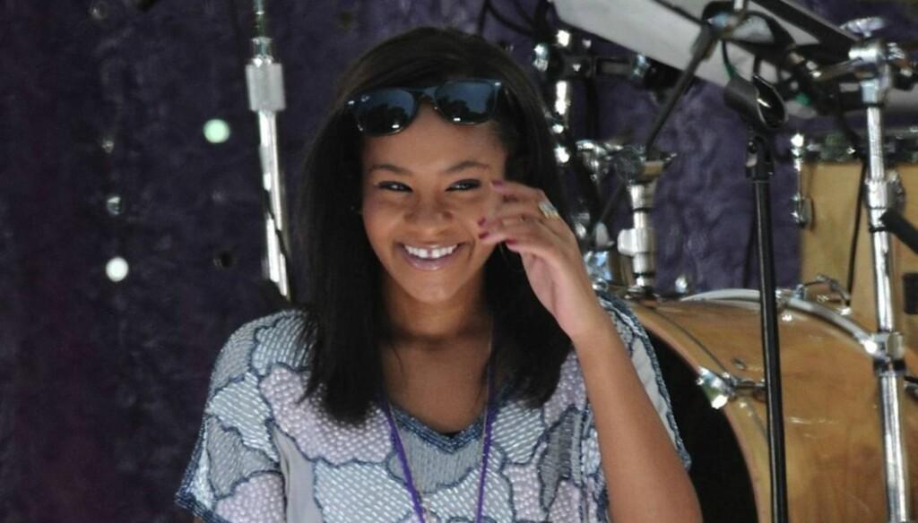 PÅ VILLE VEIER: Whitney Houstons mindreårige datter Bobbi Kristina Brown risikerer å bli dømt til seks måneder i fengsel, etter å ha blitt tatt på fersken mens hun drakk alkohol. Foto: Stella Pictures