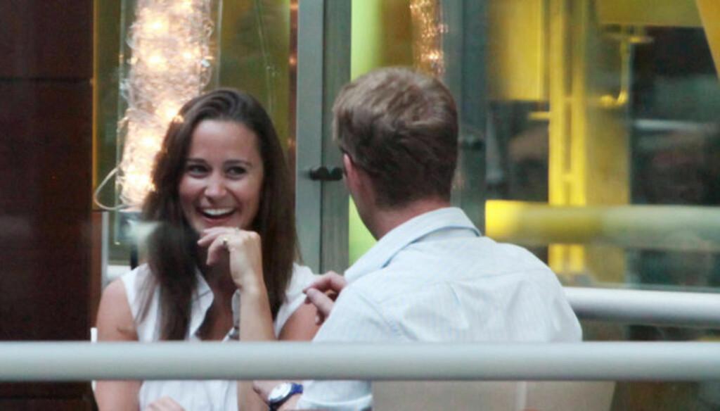 STORTRIVES MED PERCY: Pippa Middleton skal ha holdt kontakten med eks-kjæresten George Percy også etter at det ble slutt mellom de to, Nå raser spekulasjonene om at de to har blitt sammen igjen. Foto: Stella Pictures