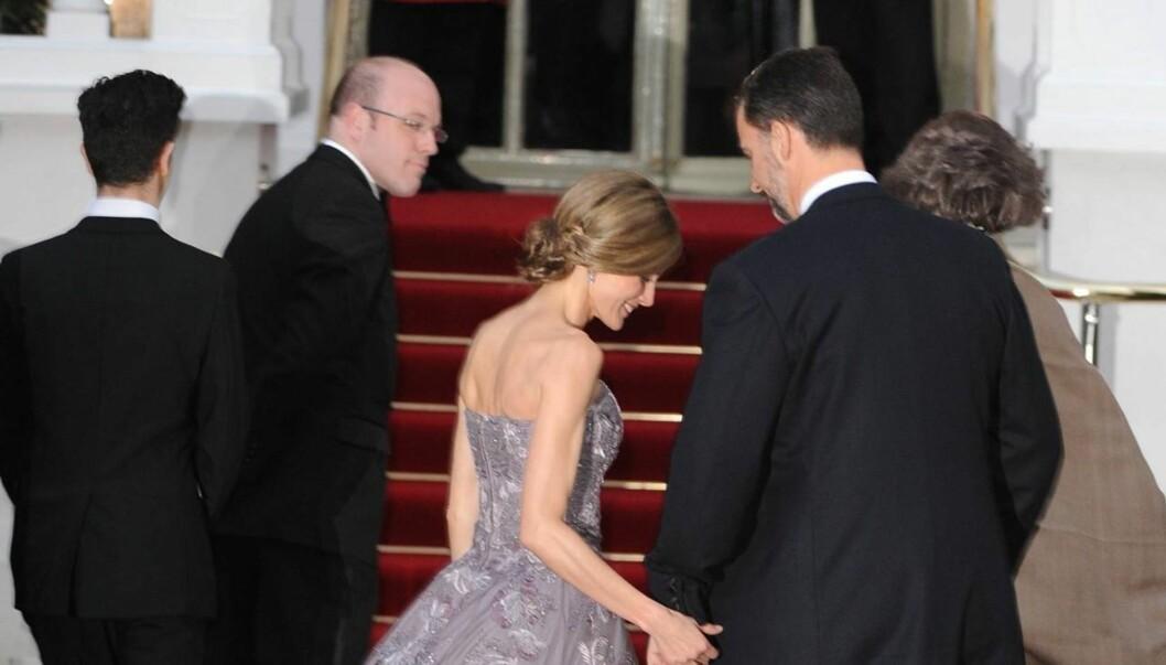 RAMMES AV RYKTER OM SPISEFORSTYRRELSER: Mange har uttrykt bekymring for helsen til kronprinsesse Letizia etter at hun det siste året har vist seg offentlig i en svært tynn utgave. Selv har hun ikke kommentert ryktene. Foto: All Over Press