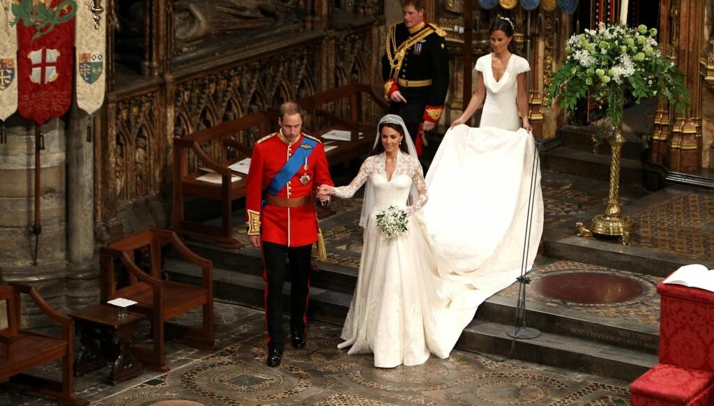 «HER ROYAL HOTNESS»: Pippa Middleton som bærer Kates slep, har fått mye omtale etter bryllupet i London. Foto: All Over Press