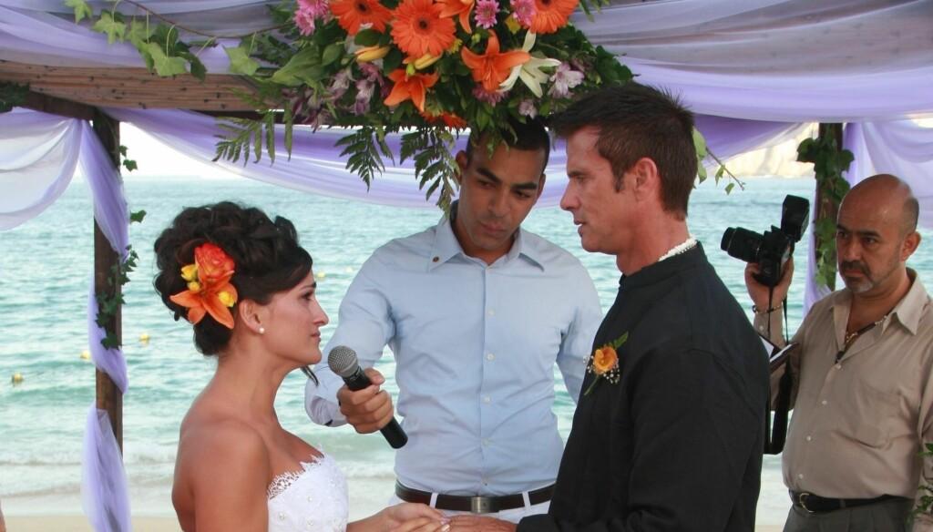 NYGIFT: Lorenzo Lamas og Shawna Craig giftet seg med nære venner og familie tilstede i Mexico i helgen.  Foto: Black Sheep/FLS