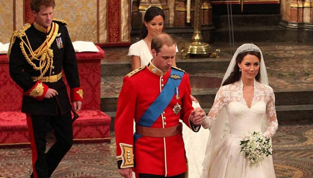 STOLER PÅ KONA: Prins William sier han stoler på kona Kate Middleton, og nektet derfor å signere ekteskapskontrakten. Foto: All Over Press