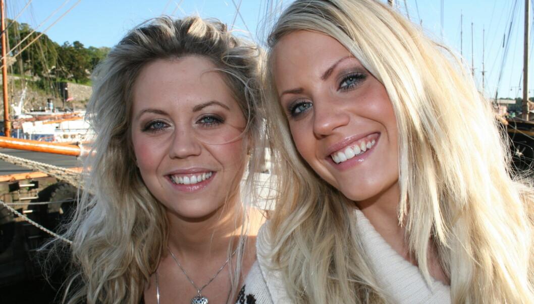 LYKKELIG: Tidligere «X Factor»-finalist Julie Tverrå Johnsen (til venstre) har i lang tid vært sammen med Kristian Sørum. Nå har også søsteren, Lisa, funnet kjærligheten. Foto: Anders Myhren/Seher.no