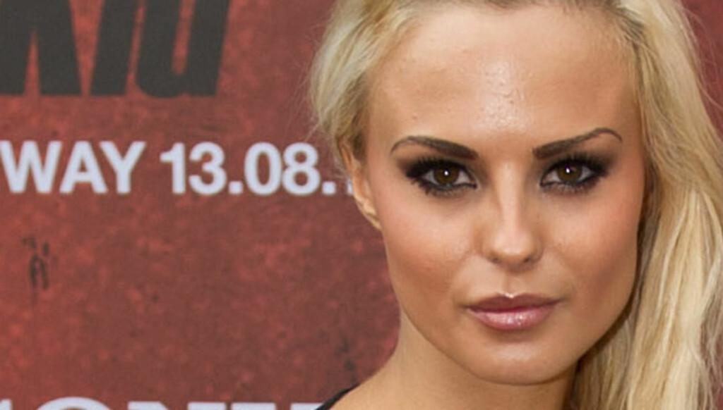 NY JOBB: Glamourmodell Camilla Fors har fått ny jobb, som FHMs ferske sexspaltist.  Foto: Glenn Svendsen/Stella pictures