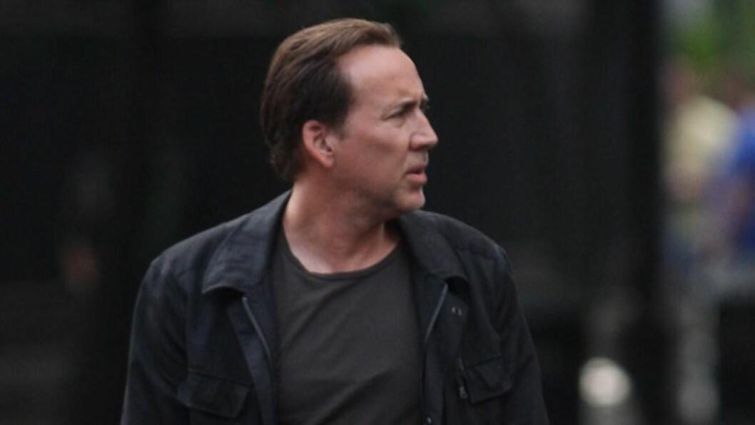 FORVIRRET FILMSTJERNE: Nicolas Cage befinner seg om dagen i New Orleans for å spille inn film, og fikk derfor trøbbel med å huske hvor han hadde leid husly under oppholdet. Her fotografert under innspillingen av sin nye film «Medallion» i New Orleans Foto: All Over Press