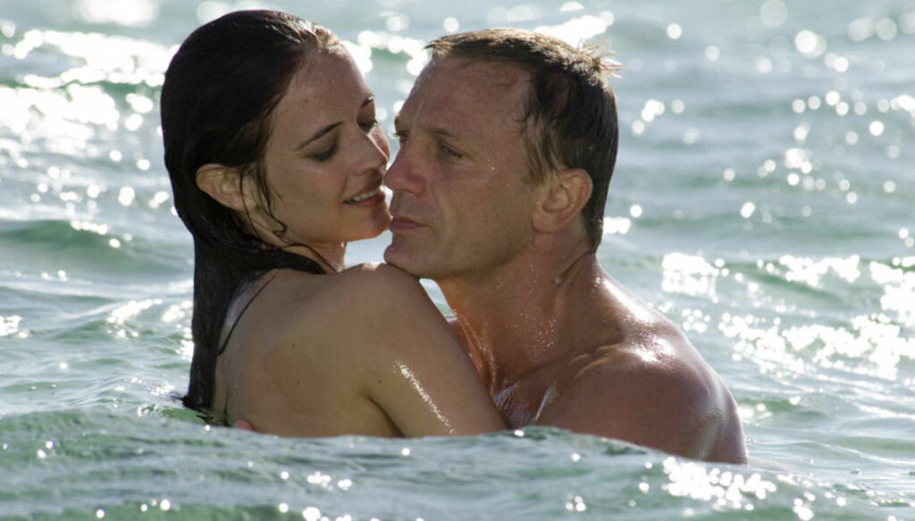 KLINTE MED BOND: I 2006 ble Eva Green et sex-symbol verden over, da hun falt for Daniel Craigs rollefigur James Bond i filmen «Casino Royale». Foto: AP