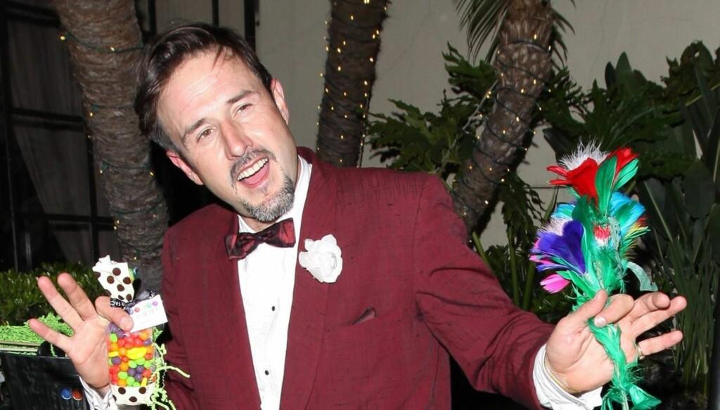 UTE FRA AVVENNING: Filmstjernen David Arquette begynte å drikke hyppig da ekteskapet med skuespillerkollega Courteney Cox røk. Nå har han imidlertid vært edru i over 100 dager. Foto: All Over Press