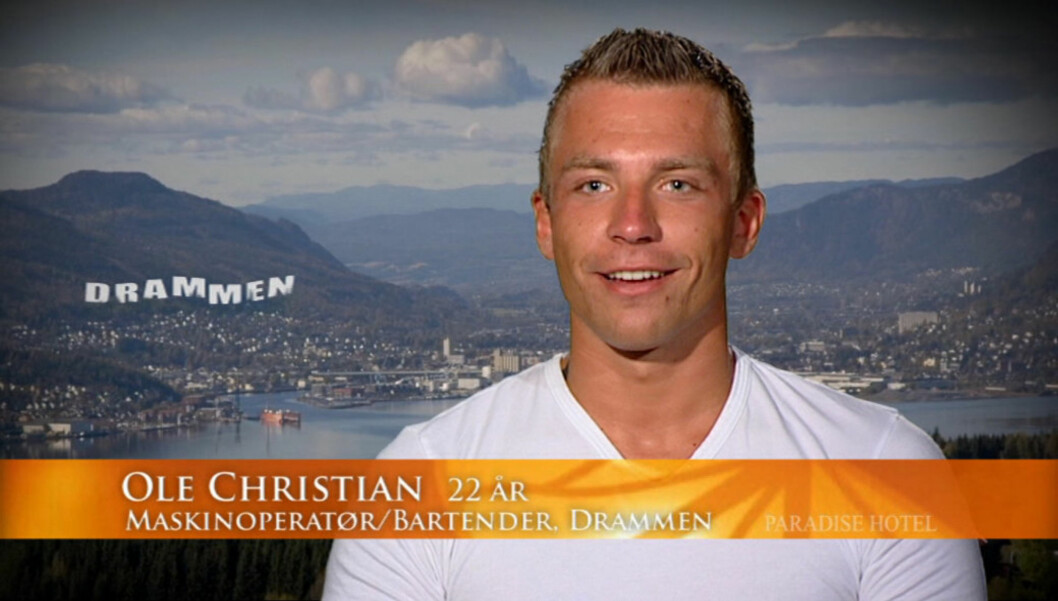 GIR HJEMBYEN DÅRLIG RYKTE?: «Paradise Hotel»-deltakeren Ole Christian Løvold har blitt profilert som en stor Drammenspatriot i den skandaleombruste TV3-serien. Det er ikke alle drammensere like fornøyd med. Foto: TV3