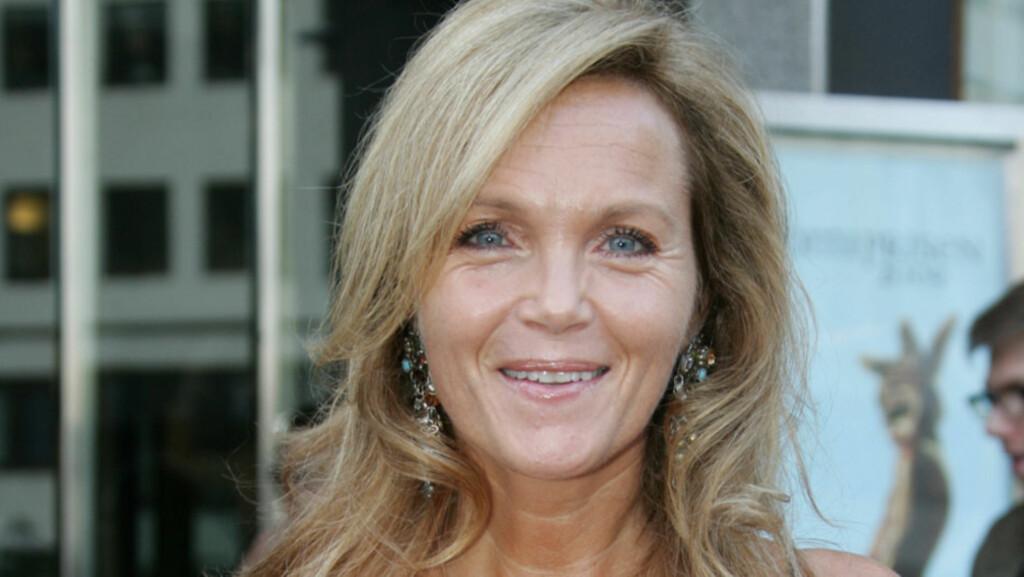 BLIR SAMBOER: Skuespiller Guri Schanke selger sin millionleilighet for å bli samboer og huseier med kjæresten Dag Hvaring. Her avbildet på Komiprisen i 2009. Foto: Stella Pictures