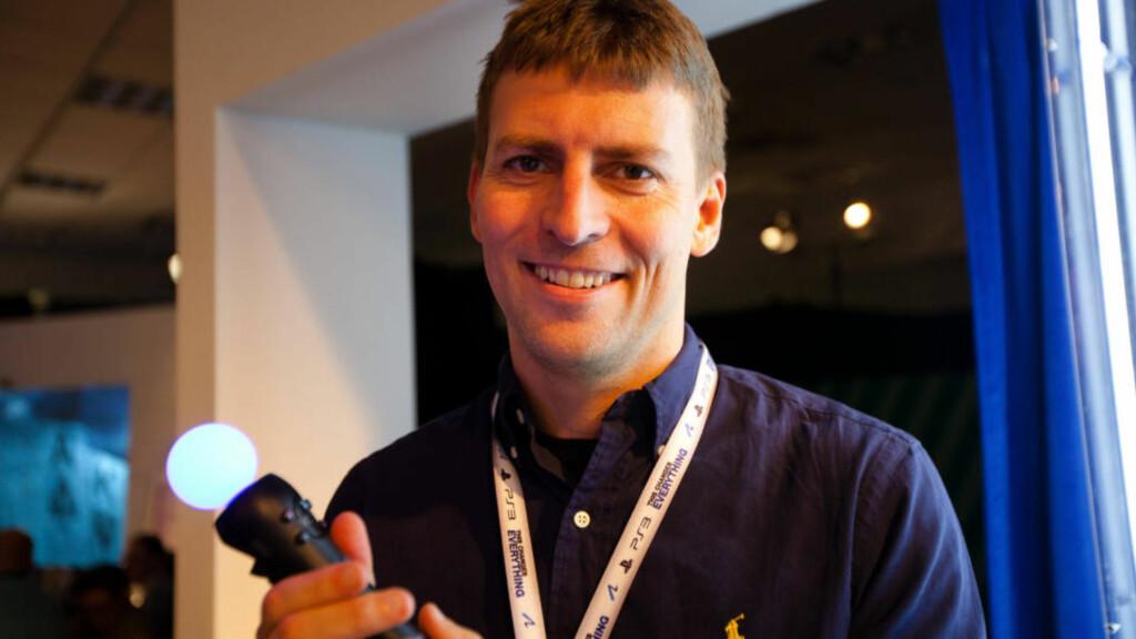 HJERNEN BAK MOVE: Dr. Richard Marks, som har utviklet Move-teknologien for Sony, mener at knapper er en nødvendig del av bevegelsesstyringen. Foto: Jarle Hrafn Grindhaug