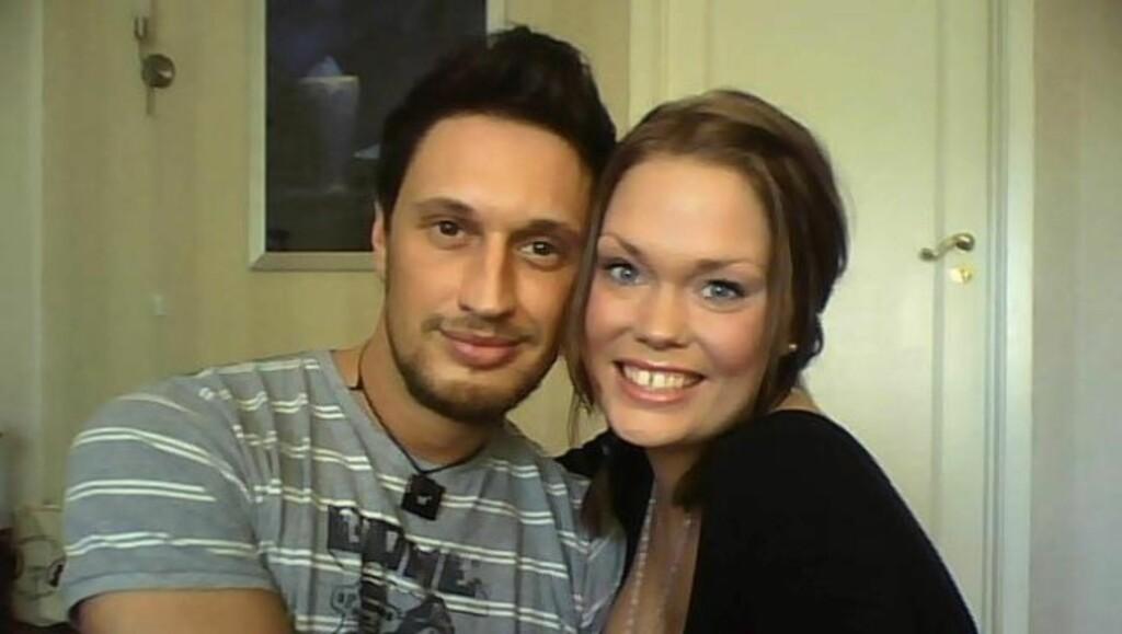 FORELSKET: De tidligere Robinson-deltakerne Kim Holm og Maria Eliseussen ble kjærester etter at de møttes på en gjenforeningsfest for deltakere i TV3-serien i februar. Foto: Privat