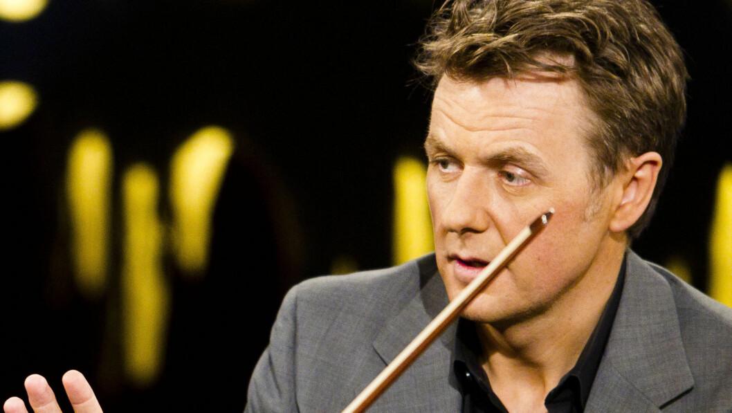 KRITISERES: Fredrik Skavlan blir ofte kritisert for intervjuteknikkene sine. Nå kritiseres NRK-programlederen for noe helt annet.  Foto: STELLA PICTURES