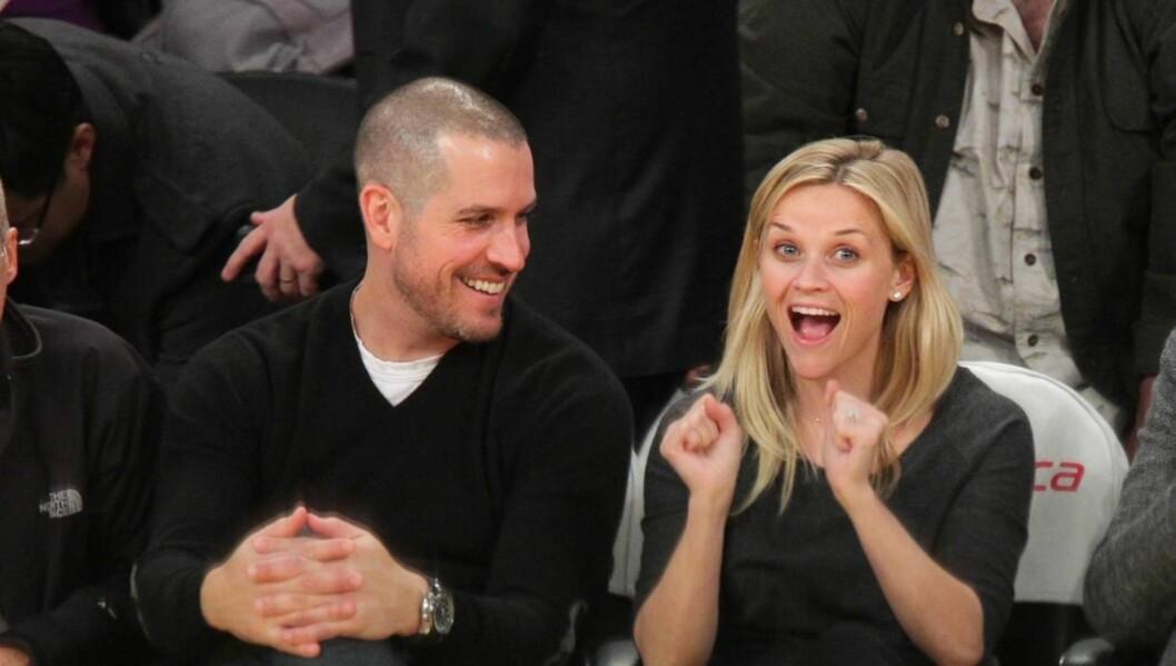 <strong>FORELSKET:</strong> Reese Witherspoon og Jim Toth er stormende forelsket, og nyter fortsatt hvetebrødsdagene etter sitt bryllup i mars. Foto: All Over Press
