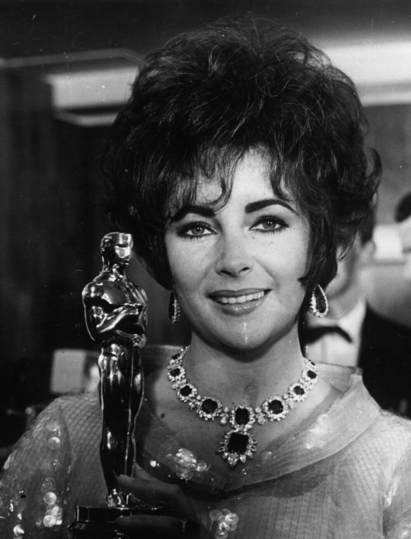<strong>1967:</strong> Elizabeth Taylor med Oscar-statuetten hun fikk for «Whos afraid of Virginia Woolf?».  Foto: All Over Press