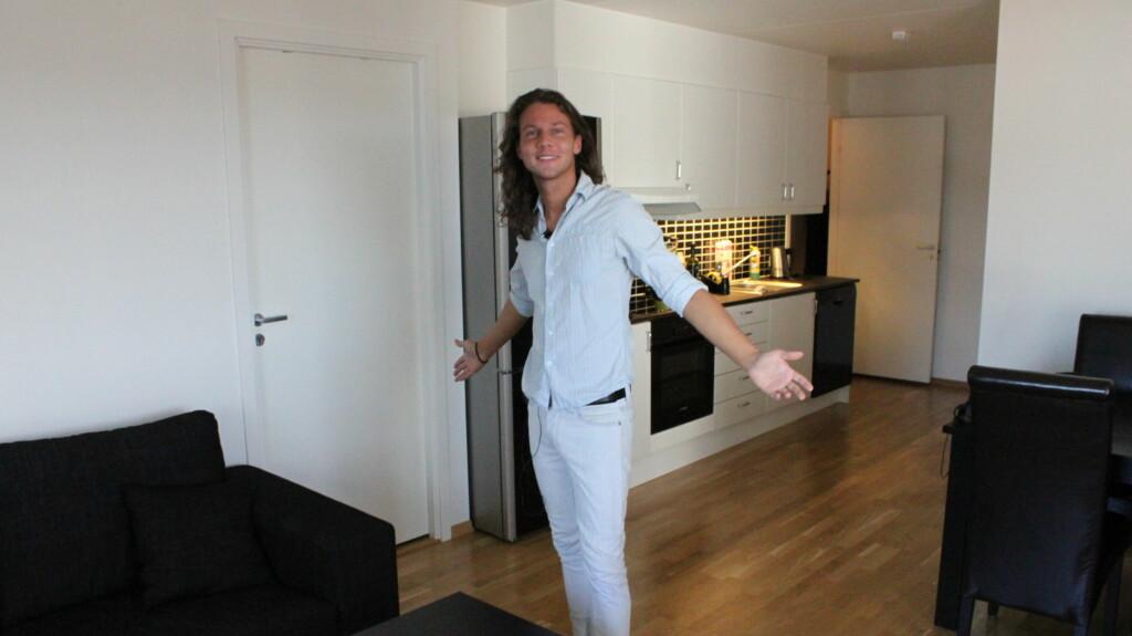 NY JOBB OG LEILIGHET: Mye har skjedd for 23-åringen etter innspillingen av TVNorge-serien i høst. Nå har han kjøpt seg leilighet i Oslo, og jobber som salgsansvarlig. Foto: Anders Myhren