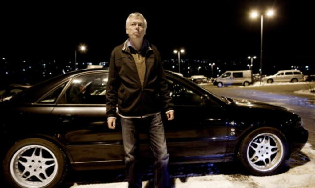 STJAL REGISTRERINGSNUMMER: På denne parkeringsplassen på Lørenskog sto bilen til Geir Fossheim (60) parkert i begynnelsen av november 2009. Torsdag 12. november ble en Audi med tilsvarende registreringsnummer lagt ut for salg på Finn.no.  Foto: Espen Røst / Dagbladet