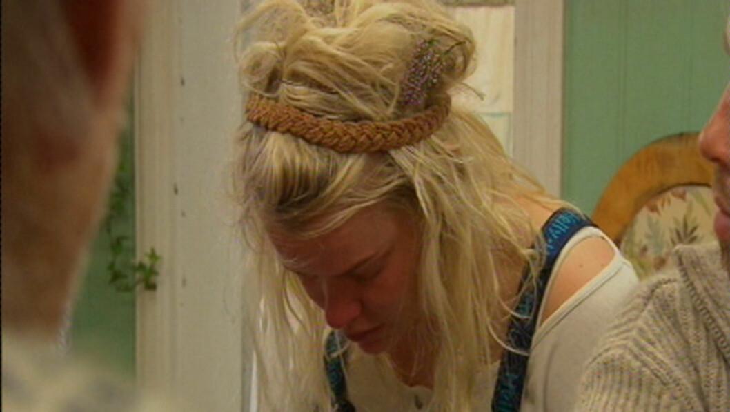 TUNG HVERDAG: Julie Aas Rye tar flere ganger denne våren til tårene. Årsaken er spørsmålet om slakting. Foto: TV 2