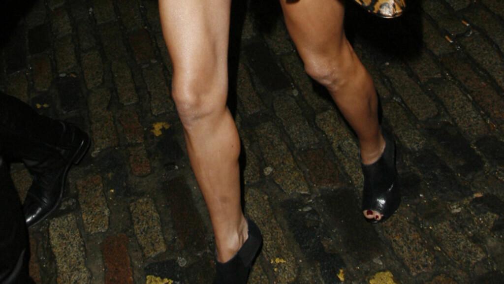 SVÆRT SLANK: Glamourmodell Nicola McLean føyer seg inn i rekken av kjendiskvinner som begynner med hysterislanking for å gå ned i vekt etter en graviditet. En annen fotballfrue, Abbey Clancy, spiser kun frokostblanding for å gå ned i vekt, mens McLe Foto: All Over Press