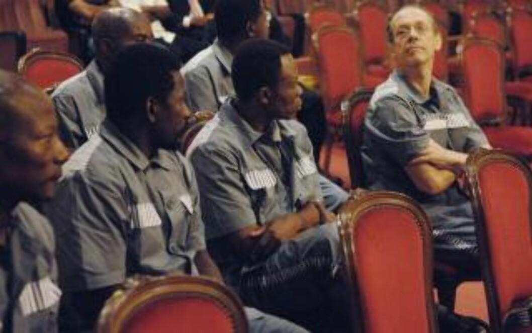 FORSØKTE STATSKUPP: Teodoro Obiang tok selv makta ved et statskupp. I 2008 forsøkte en gruppe leiesoldater, med britiske Simon Mann (t.h.) i front å styrte Obiang på samme måte. Bak planen sto Margaret Tatchers sønn Mark, som skulle sette inn eksil-ekvatorialguineaneren Severo Moto som president og stikke av med gigantiske oljeinntekter. Foto: AP/Scanpix
