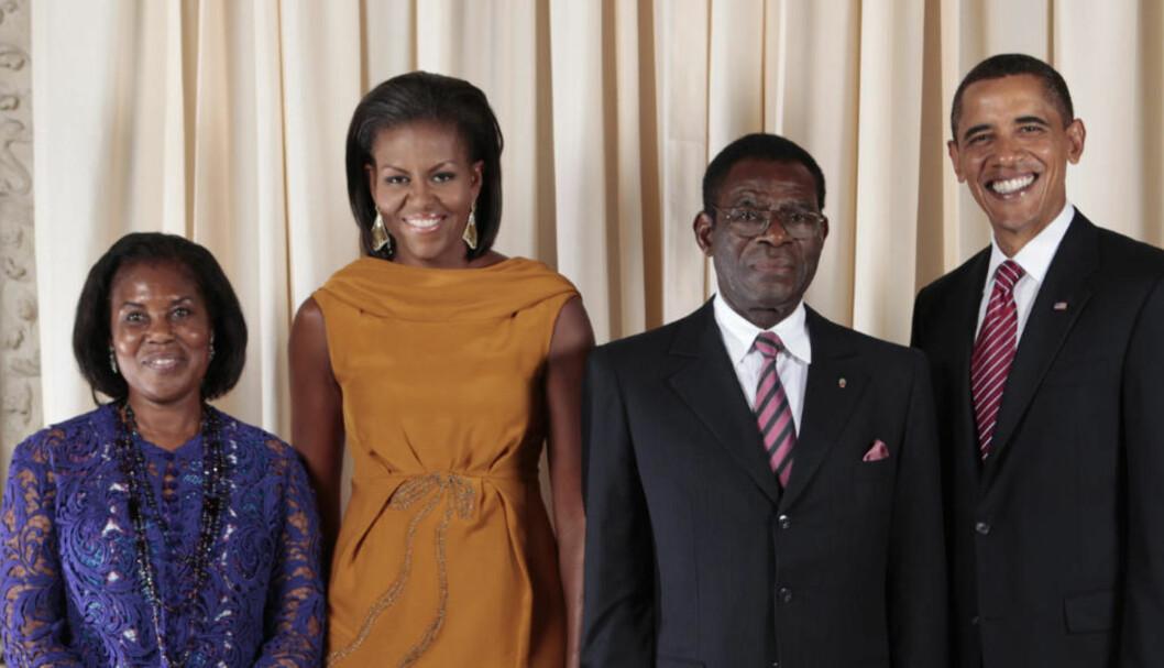 FRIENDS IN HIGH PLACES: Teodoro Obiang og kona på besøk hos Obamaene på museum i New York. Foto: Det Hvite Hus' Flickr-side