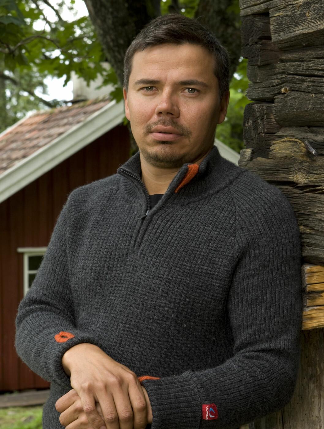 <strong>HARDE UKER:</strong> Per-Arne Guttorm skal forsøke å ta seg gjennom ti knallharde uker i «Farmen».  Foto: TV 2