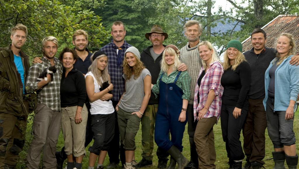 FARMEN 2011: 14 nye Farmen-deltakere er satt 100 år tilbake i tid. Denne gangen til gården Storøy i Telemark. Etter første episode er det lov å håpe på intriger og konflikter.  Foto: TV 2