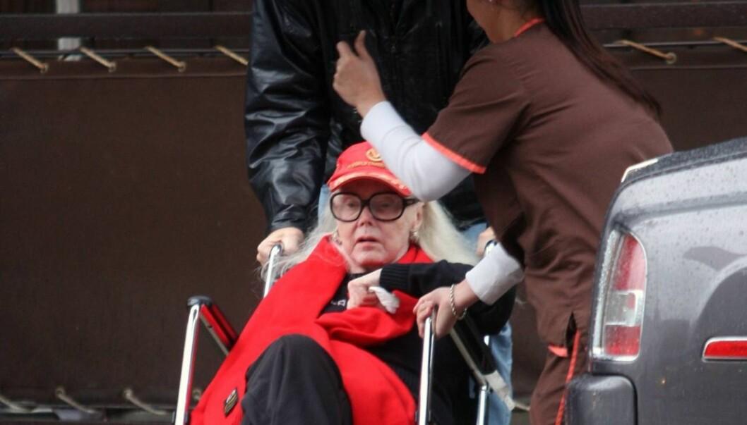 MÅTTE AMPUTERE: 93 år gamle Gabor falt og brakk hoften i sommer. Etterpå har hun vært plaget med en lang rekke problemer, og i januar måtte hun amputere det høyre beinet. Foto: Stella Pictures