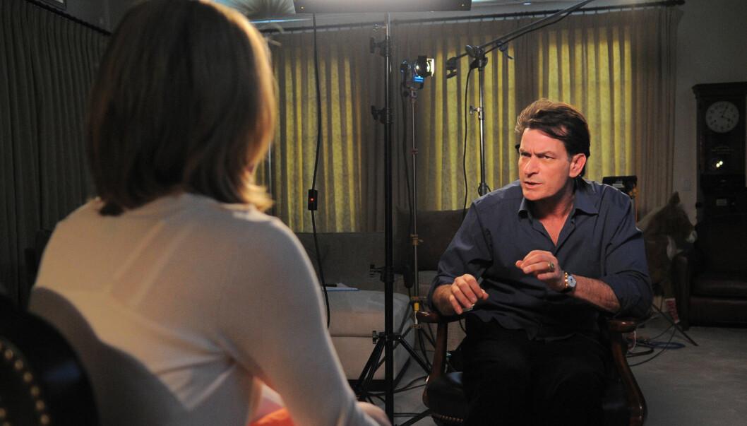 SNAKKER UT: Søndag ble de første klippene fra Charlie Sheens én times lange intervju med ABC-programmet «20/20» sluppet. Foto: Reuters