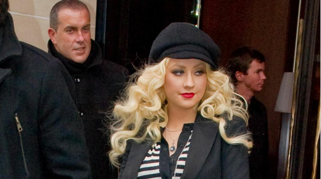 LØSLATT: Popstjernen Christina Aguilera er nå løslatt etter å bli arrestert for offentlig beruselse tirsdag morgen. Her aavbildet i Paris før jul. Foto: Stella Pictures