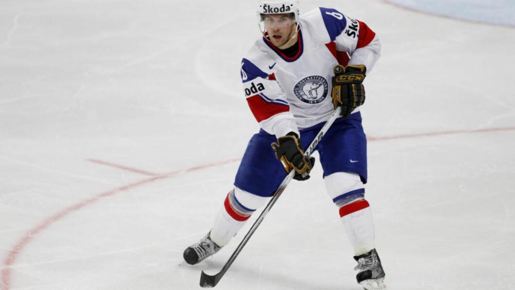 <strong>KLAR FOR NHL-START:</strong> Jonas Holøs ble hentet til Colorado i sommer, og får bli på A-laget i hvert fall litt til . Foto: Håkon Mosvold Larsen / Scanpix