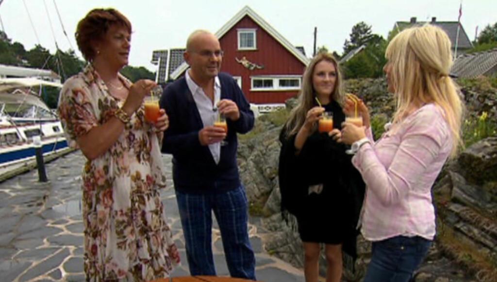 FESTKLARE: Espen «Esther» Pirelli Benestad, Einar Gelius, Maria Arredondo og Lillian Müller er «firkløveret» i denne ukas «4-stjerners middag». Foto: TVNorge