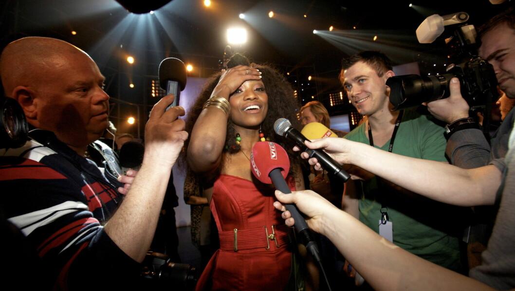 <strong>TIL TOPPS:</strong> Stella Mwangi var overlykkelig da hun vant den norske MGP-finalen lørdag. Nå venter Eurovision i Tyskland. Foto: SCANPIX
