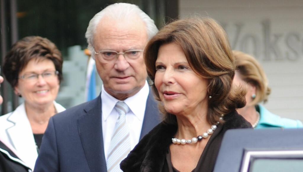 I THAILAND: Den svenske kongen og dronningen har reist på ferie for å slappe av og pleie forholdet. Foto: Stella Pictures