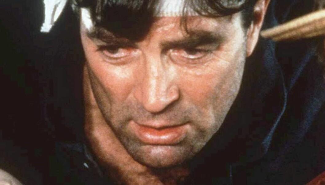 UTEN BART: I 1992 spilte Tom Selleck uten bart i filmen «Full fart bakover». I sin nye TV-serie får han imidlertid ikke lov til å fjerne ansiktshårene. Foto: Scanpix