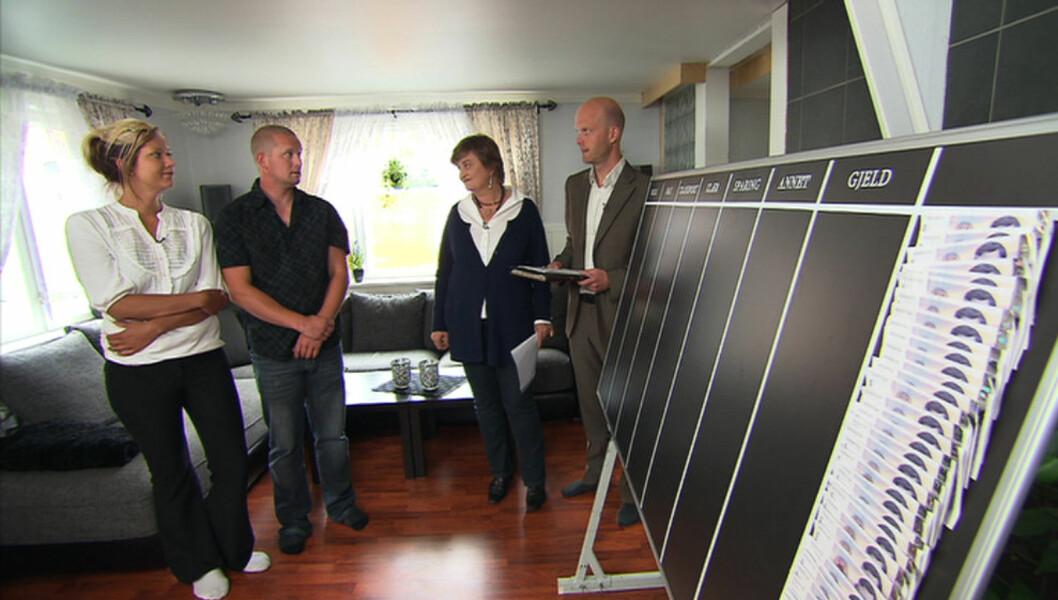 TOK OPP LÅN I HENNES NAVN: Thomas tok opp lån i Jannes navn - uten hennes samtykke. Men nå begynner de to å få kontroll på økonomien igjen etter å ha vært med på «Luksusfellen». Foto: TV3