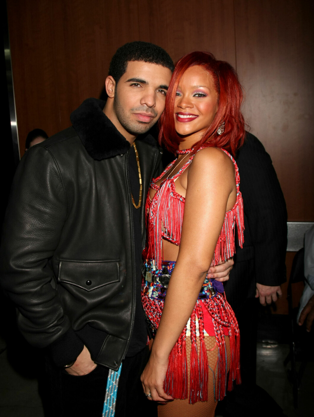 <strong>GODE VENNER:</strong> Rapperen Drake og sangeren Rihanna slapper av backstage på Grammy-festen. Foto: All Over Press