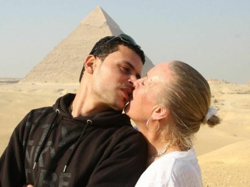FRYKTER FOR KJÆRESTEN: «Charterfeber»-Lisbeth synes det er grusomt å være så langt borte når kjæresten Ahmed Rizk (27) er i Egypt. Foto: Privat