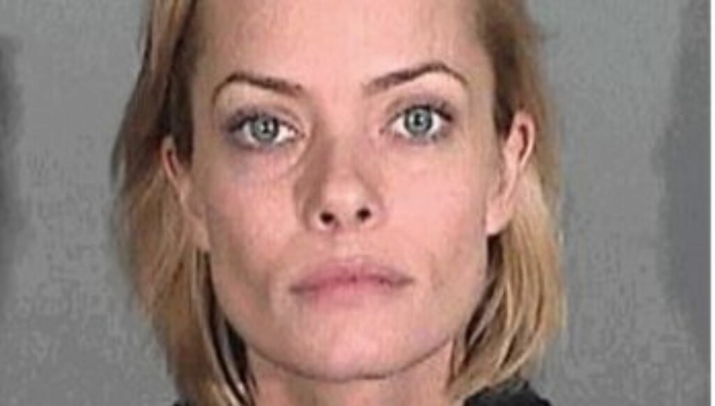 DEN USMINKETE SANNHETEN: Det var ikke mye Hollywood-glamour over Jamie Pressly da hun i januar ble arrstert av politiet i Santa Monica. Foto: Santa Monica PD