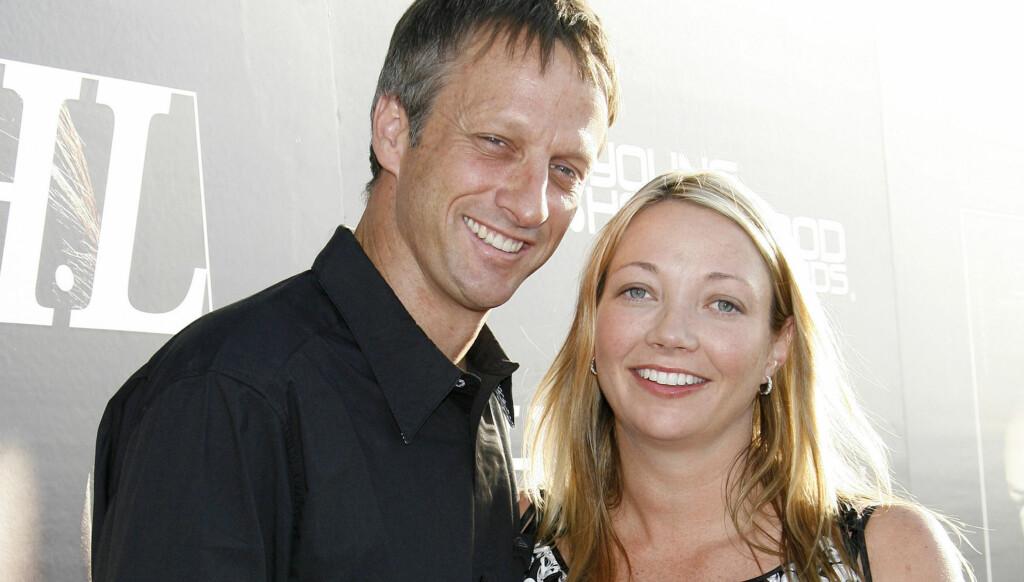 SKILLES: Tony Hawk og skuespillerkona Lhotse Merriam. Foto: Stella Pictures