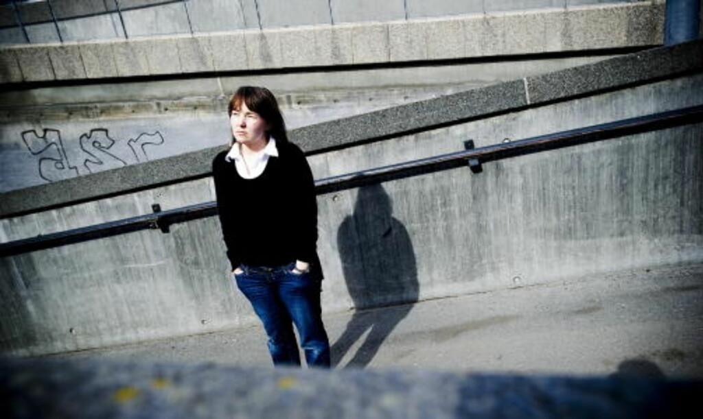 ME-SYK: Anne May Eknes (34) fikk ME etter vaksina hun fikk som 15-åring.  Hun er en av flere hundre som har fått diagnosen ME etter vaksine mot hjernhinnebetennelse som 180.000 norske ungdomselever fikk.  Foto: Thomas Rasmus Skaug / Dagbladet