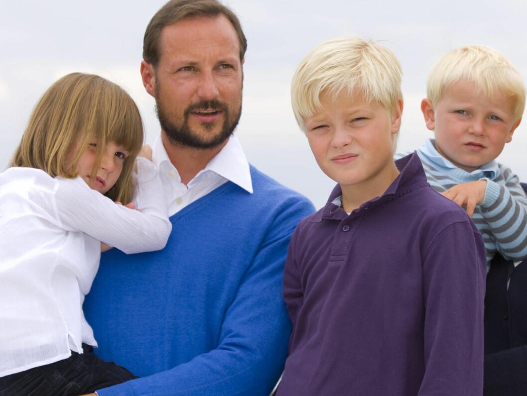 <strong>TILBAKE I NORGE:</strong> Prinsesse Ingrid Alexandra, kronprins Haakon, Mette-Marits sønn Marius og prins Sverre Magnus er bekreftet tilbake i Norge. Foto: SCANPIX