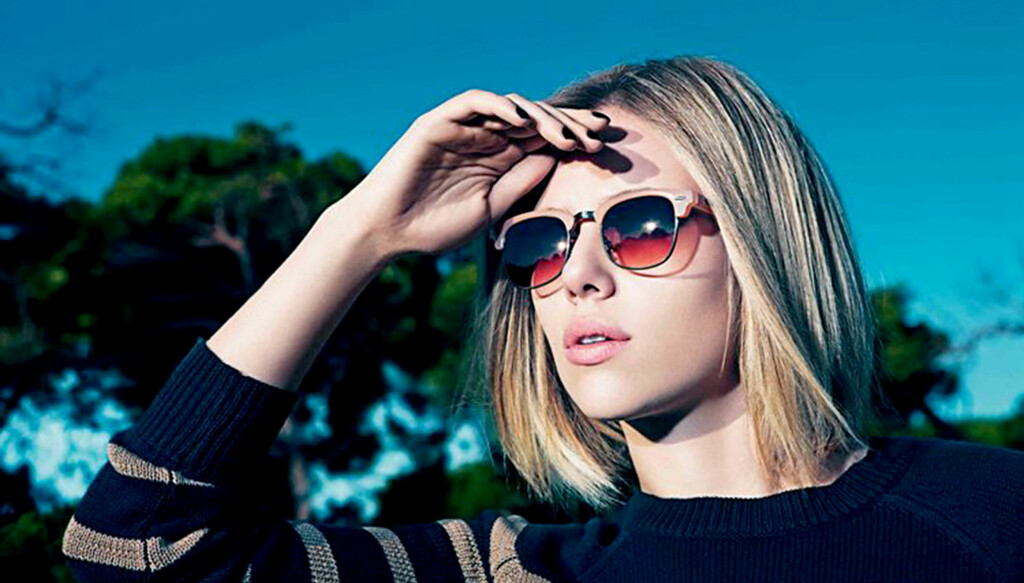 NY STIL: Scarlett Johansson viser fram klesmerket Mangos nye sommerklær i retrostil for 2011. Foto: Stella  Pictures