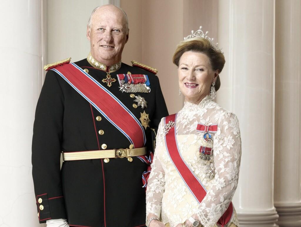 KRITISERES: Fotograf Hans Jørgen Brun kritiserer bildene av kongefamilien, og mener valget av Sølve Sundsbø som fotograf var feil.