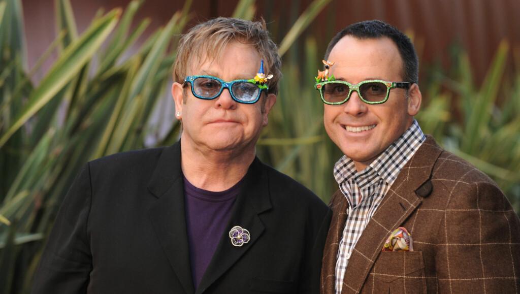 PRODUSERTE FILMEN: Elton John og David Furnisher produserte filmen «Gnemeo and Juliet» . Foto: FameFlynet Norway