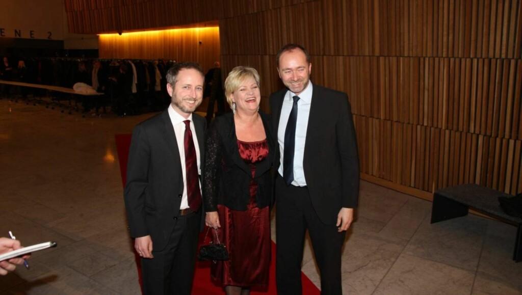SPORTY: Bård Vegar Solhjell ankom middagen i Operaen sammen med Kristin Halvorsen og Trond Giske - som er i ferd med å finne januarformen. Foto: Sølve Hindhamar, Seher.no